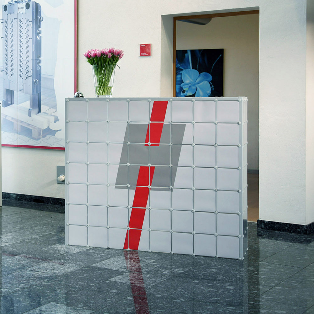 Stele Stehstele Werbung Werbetechnik Regal Absteller Ablage x-cett casetten Tisch individuell kreativ druck Empfang Trennwand Sichtschutz